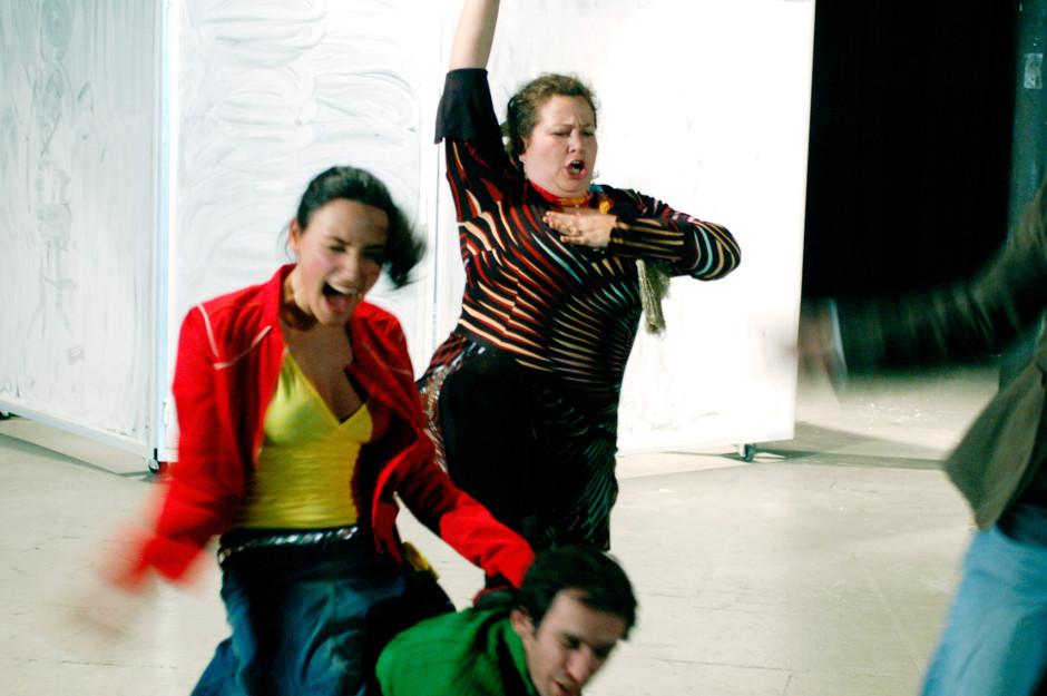arijana-theater-faked-2007-15